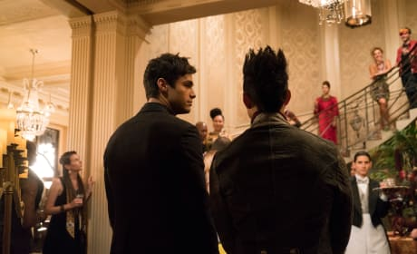 "Shadowhunters Photos from ""The Powers That Be"""
