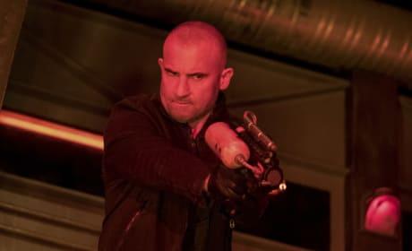 Get Red With Heatwave - Arrow Season 6 Episode 8