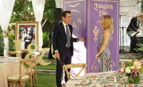10th Anniversary Party - Modern Family