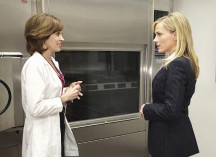 Watch No Ordinary Family Season 1 Episode 1 Online