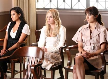 Watch Pretty Little Liars Season 6 Episode 11 Online