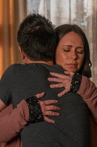 A Hug - 9-1-1 Season 4 Episode 8