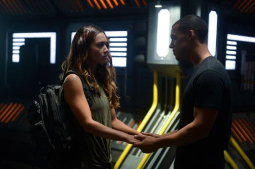 Raven and Zeke Together - The 100 Season 6 Episode 1