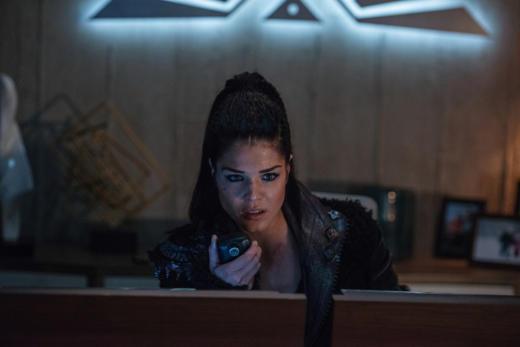 Commander Octavia — The 100 Season 4 Episode 13