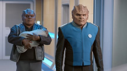 Two Moclans and a Little Lady - The Orville Season 1 Episode 3