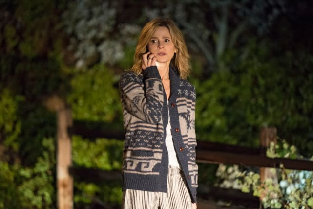 Phoning it in - Ten Days In the Valley Season 1 Episode 1