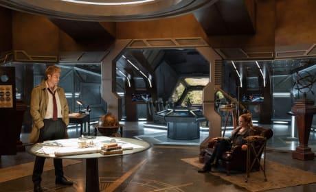 Welcome, Constantine! - DC's Legends of Tomorrow Season 3 Episode 10
