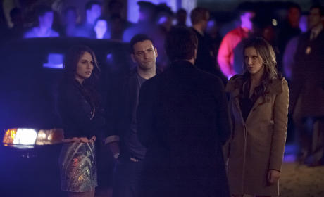 You Kids Get Outta Here - Arrow Season 3 Episode 14