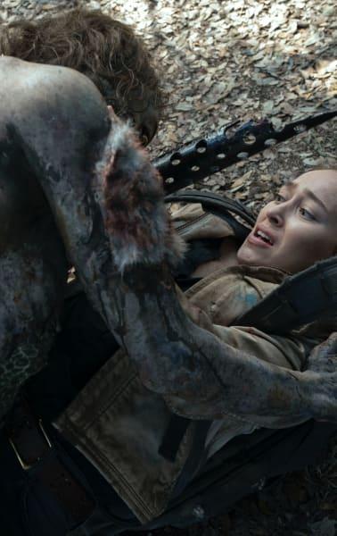 A Tense Battle - Fear the Walking Dead Season 6 Episode 7