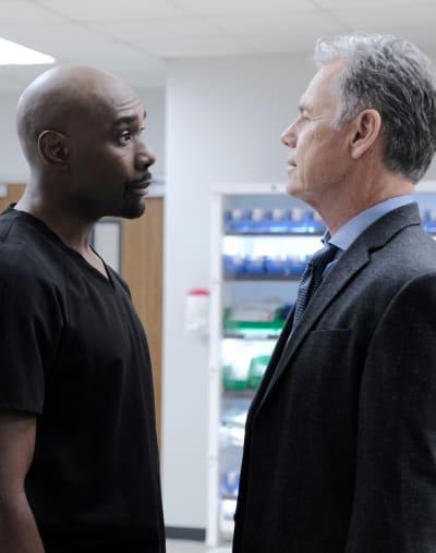 Cain versus Bell - Tall  - The Resident Season 3 Episode 4