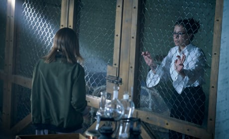 Cosima Locked Up — Orphan Black Season 5 Episode 6