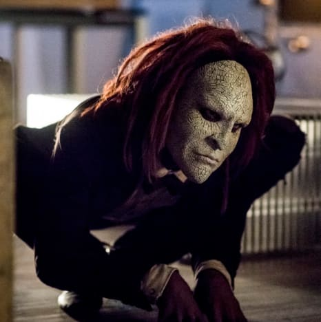 Scary Doll - The Flash Season 5 Episode 5