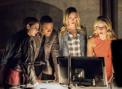 Watch Arrow Season 4 Episode 1 Online
