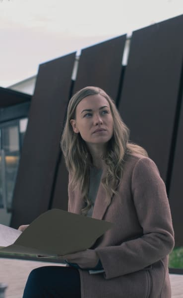 Serena Can Read - The Handmaid's Tale Season 3 Episode 13