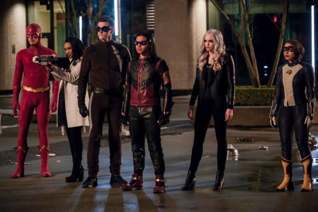 Team Flash Faces Their Big Bad - The Flash Season 5 Episode 22