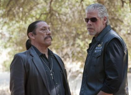 Watch Sons of Anarchy Season 4 Episode 11 Online