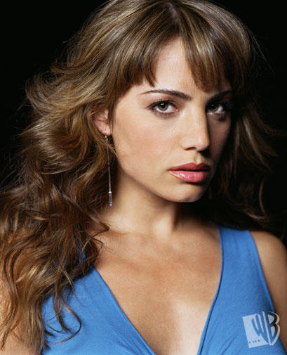 smallville cast dating Tv shows: smallville fanfiction archive with over 14,433 stories come in to read, write, review, and interact with other fans.