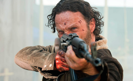 Rick Takes Aim - The Walking Dead Season 5 Episode 1