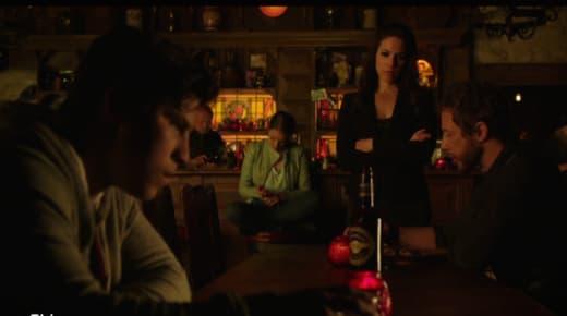 Helping a Fae - Lost Girl Season 5 Episode 4