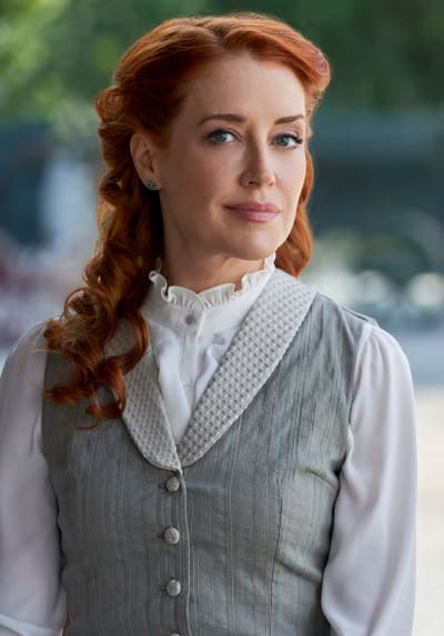 Marvelous Molly - When Calls the Heart Season 8 Episode 1