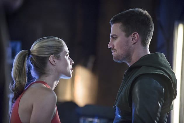 Felicity and Oliver Look Upset - Arrow Season 3 Episode 2