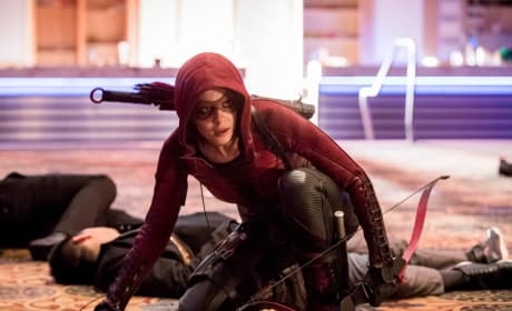 Speedy Suits Up - Arrow Season 6 Episode 15