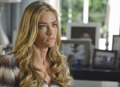 Watch Twisted Season 1 Episode 3 Online