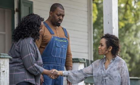 A Helping Hand - Queen Sugar Season 3 Episode 3