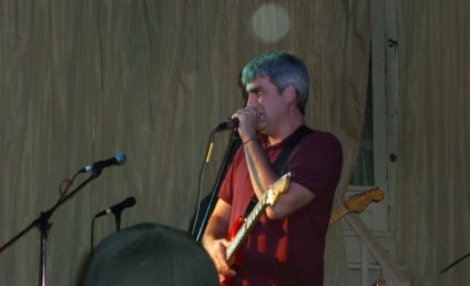 Taylor Hicks Wows Fans at Small, Surprise Concert