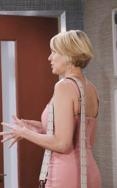 Nicole Gets Suspicious - Days of Our Lives