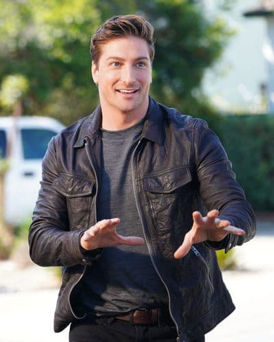 Daniel Lissing Guest Stars - The Rookie Season 2 Episode 9