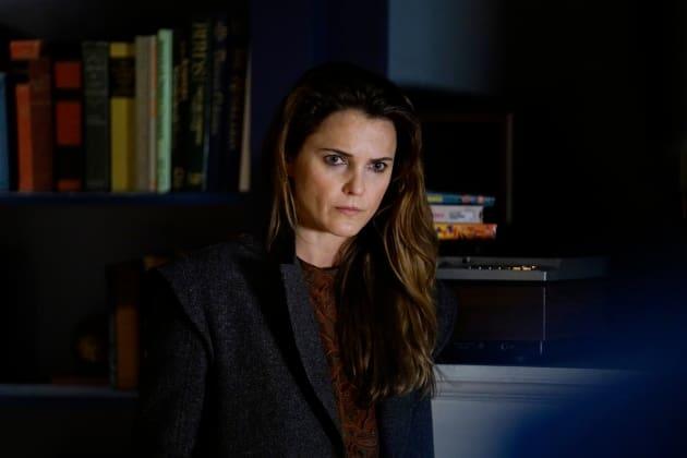 Unhappy Woman - The Americans Season 6 Episode 3