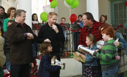 Modern Family Review: Canadian Christmas