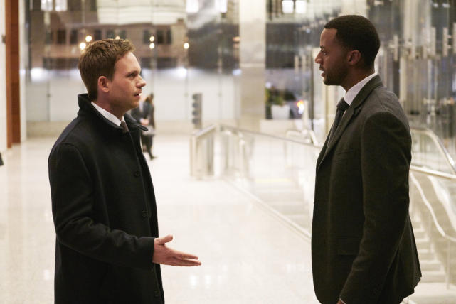 Is Oliver Back? - Suits