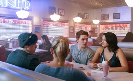 Diner Meeting - Riverdale Season 1 Episode 8