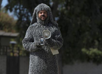 Watch Wilfred Season 3 Episode 7 Online