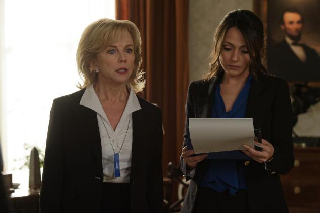 Emily and Julia - Designated Survivor Season 1 Episode 17