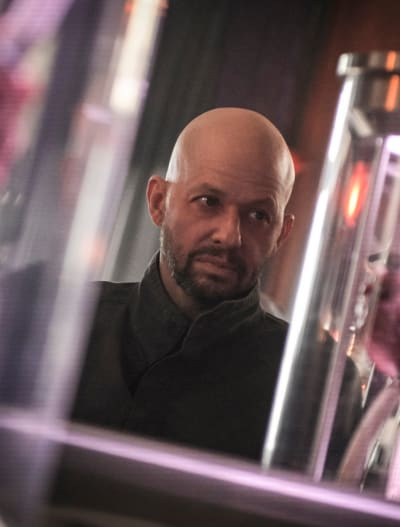 Jon Cryer - Tall  - Supergirl Season 4 Episode 15