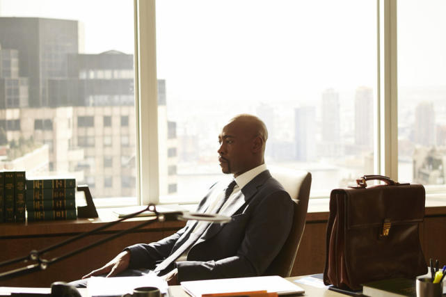 DB Woodside on Suits