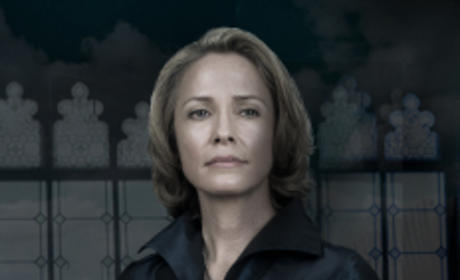 Susanna Thompson as Queen Rose