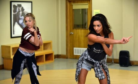 Wrong Moves - Pretty Little Liars Season 5 Episode 20