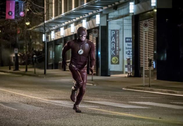 Run, Barry, run! - The Flash Season 3 Episode 14