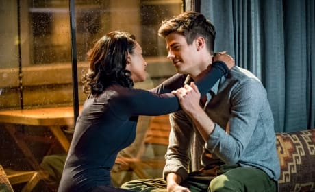 How Cute Are These Two - The Flash Season 4 Episode 7