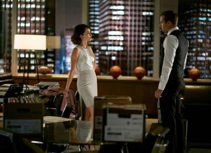 Watch Suits Season 5 Episode 13 Online