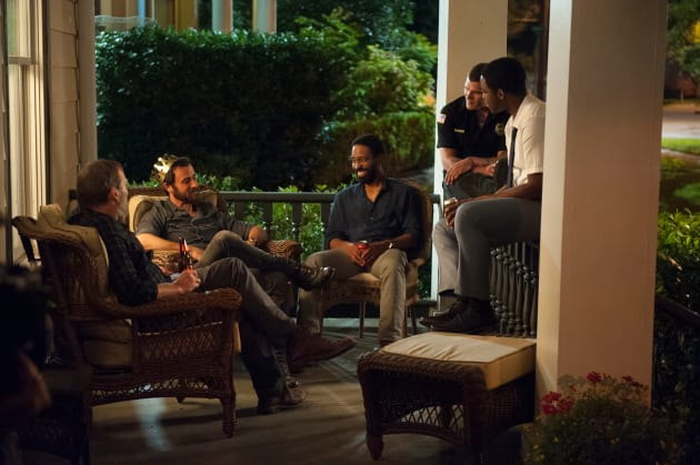Family and Friends in Texas - The Leftovers Season 3 Episode 1