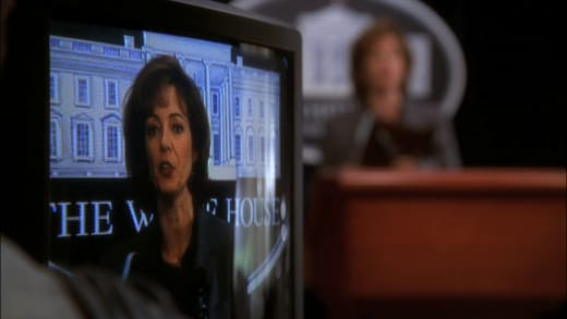 Fixing the Mess - The West Wing Season 1 Episode 8