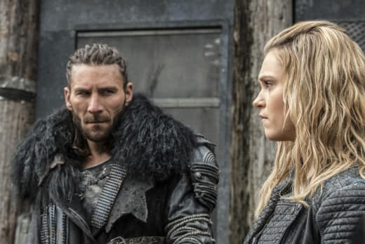 Roan and Clarke – The 100 Season 4 Episode 6