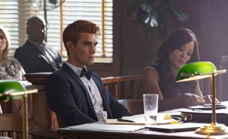 Not Going to Plan - Riverdale Season 3 Episode 1