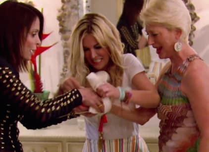 Watch The Real Housewives of New York City Season 9 Episode 18 Online