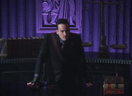Watch Gotham Season 5 Episode 4 Online
